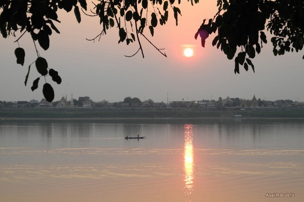 Sunset Mekong Tha Khaek Laos