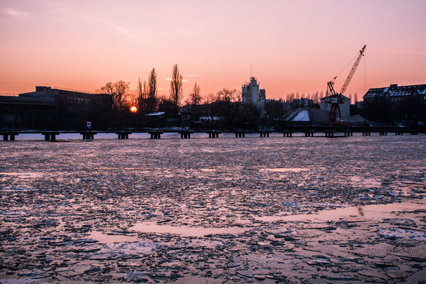 Sunset Ice Spree Berlin