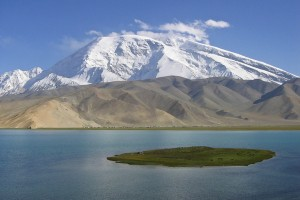 Karakul Lake in Xinjiang Province: Escaping China's Tourist Hordes